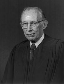 220px-US_Supreme_Court_Justice_Lewis_Powell_-_1976_official_portrait.jpg